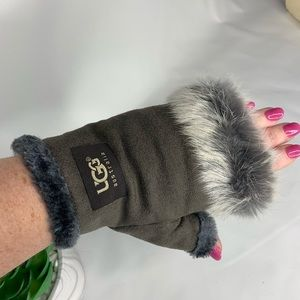 Grey fur lined NEW Ugg's fingerless gloves